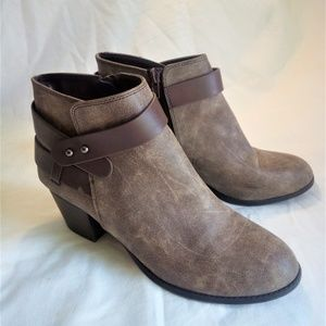 Charlotte Russe belted Ankle boots size 9 GUC